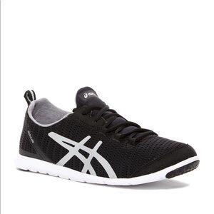 Metrolyte Asics size 8.5 black/white sneakers